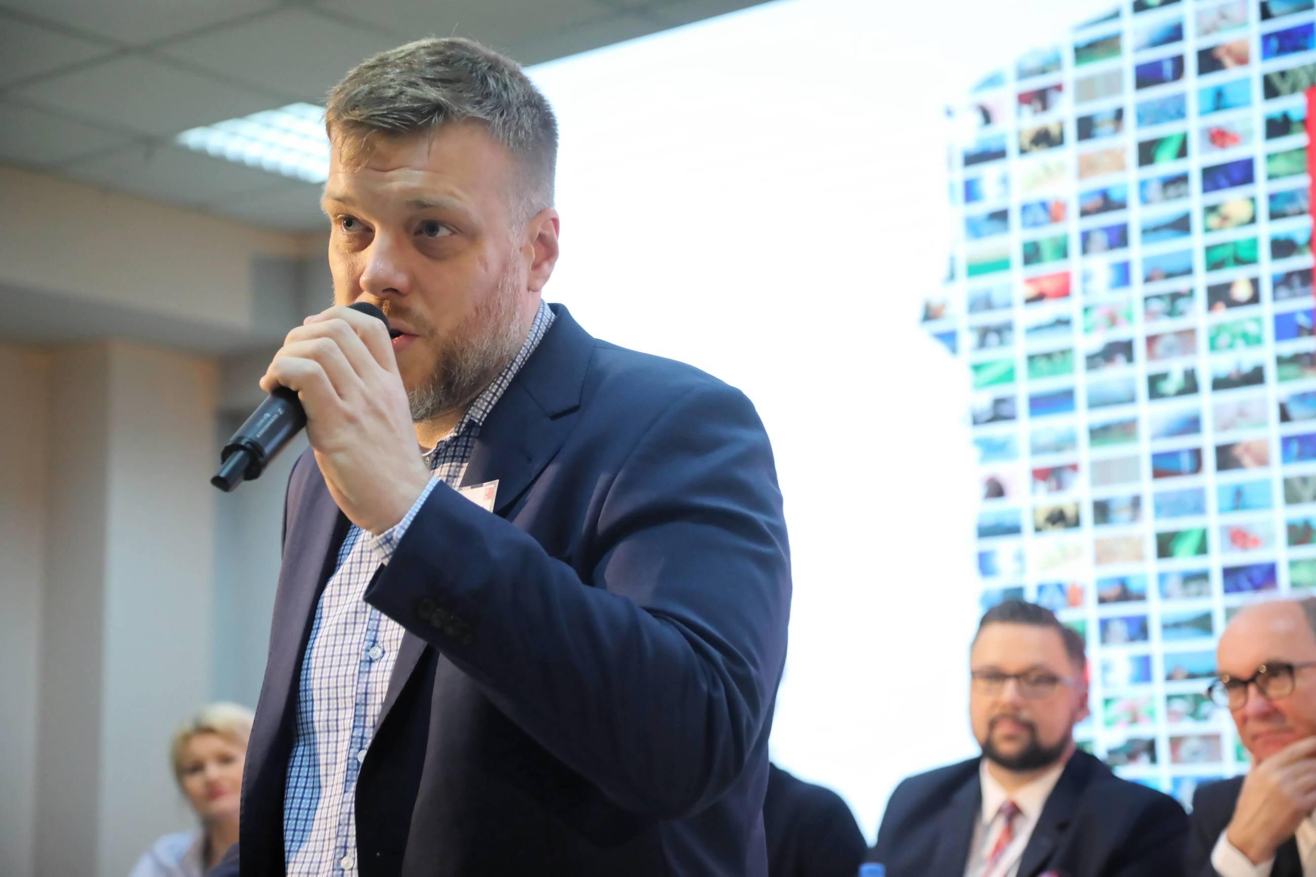 Szef partii Razem Adrian Zandberg