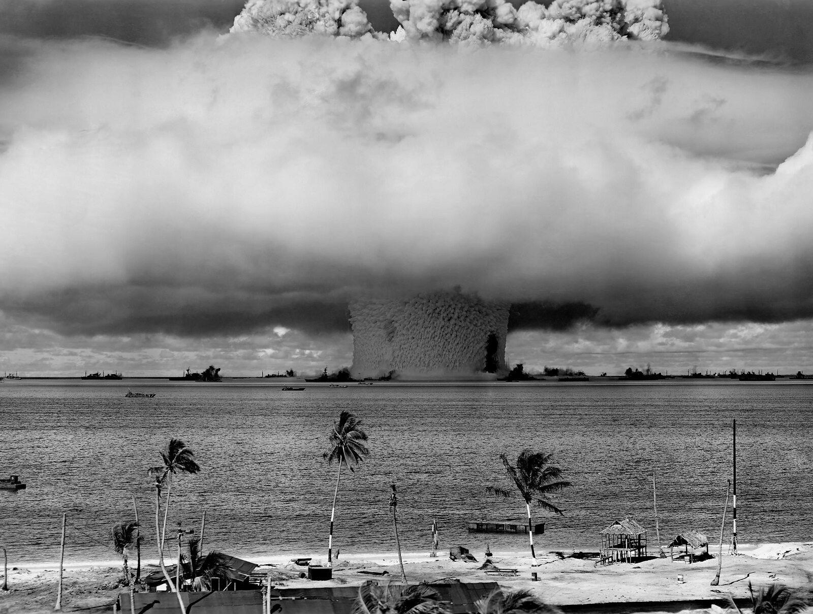 Test amerykańskiej broni atomowej na atolu Bikini, 25 lipca 1946.