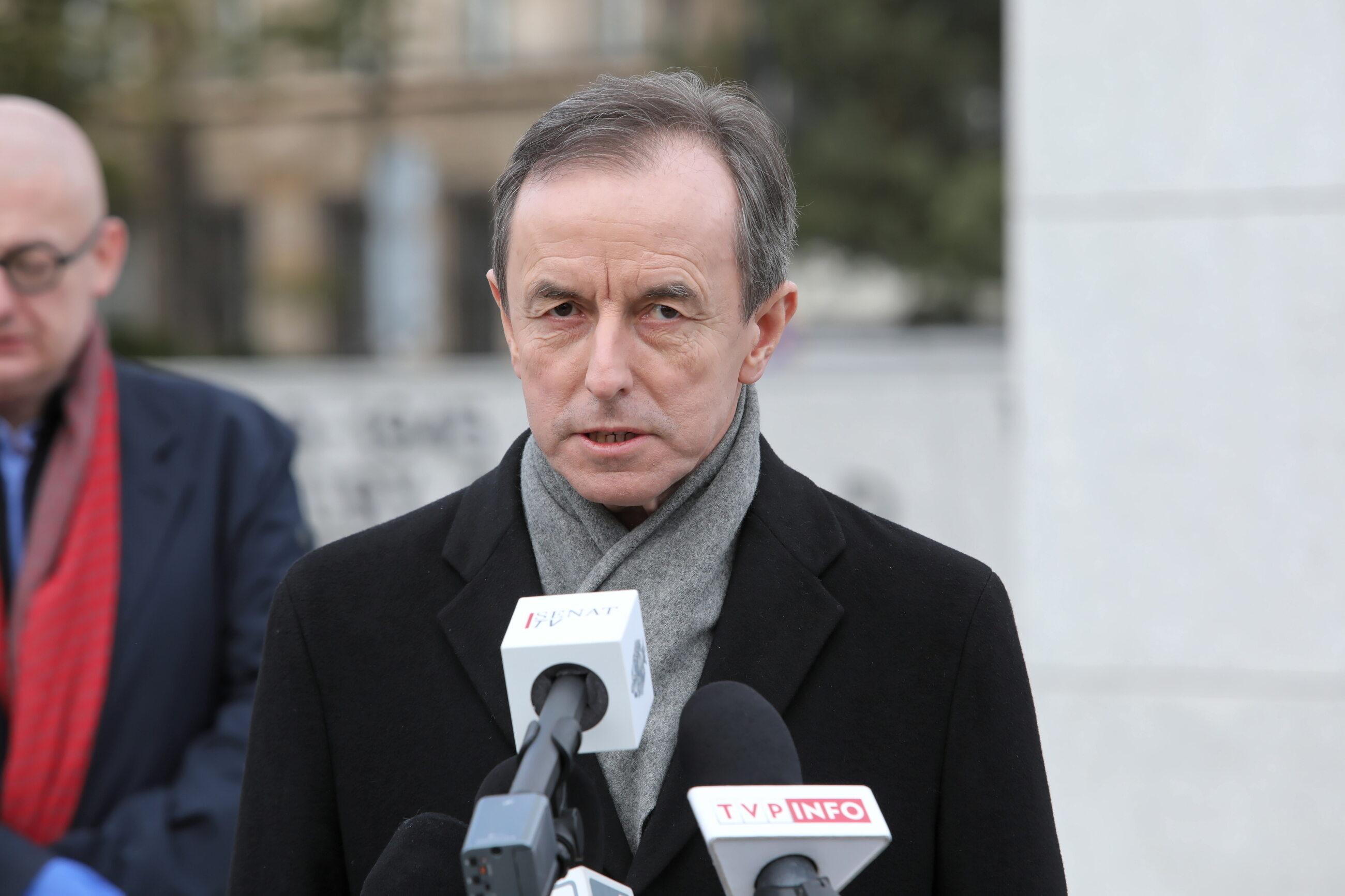 Tomasz Grodzki podczas konferencji prasowej