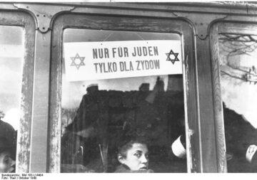 Tramwaj. Warszawa w czasie okupacji niemieckiej