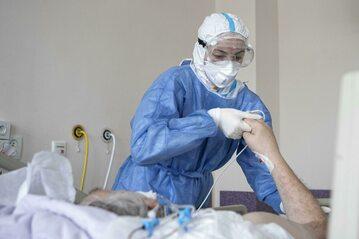 Trwa walka z koronawirusem. Zdjęcie ilustracyjne