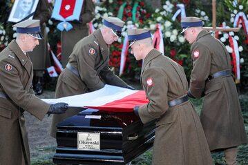 Uroczystości pogrzebowe Jana Olszewskiego na Powązkach Wojskowych w Warszawie