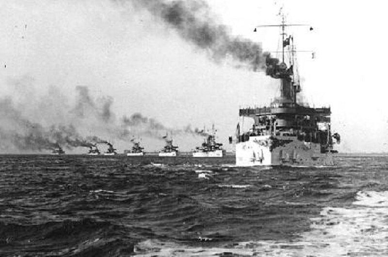 USS Connecticut przewodzi Wielkiej Białej Flocie
