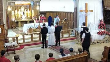 W Wielki Piątek, podczas sprawowania Liturgii Męki Pańskiej w polskim kościele w londyńskim Balham, do świątyni weszła policja.