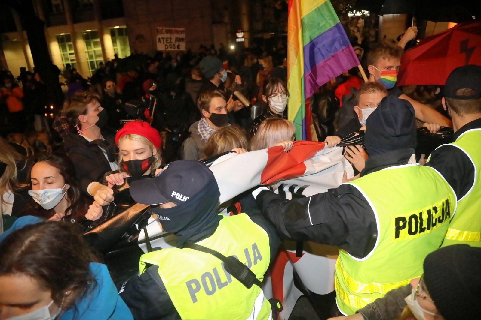 Warszawa: Protest po wyroku TK ws. aborcji