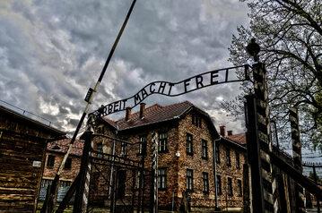 Wejście do obozu Auschwitz-I