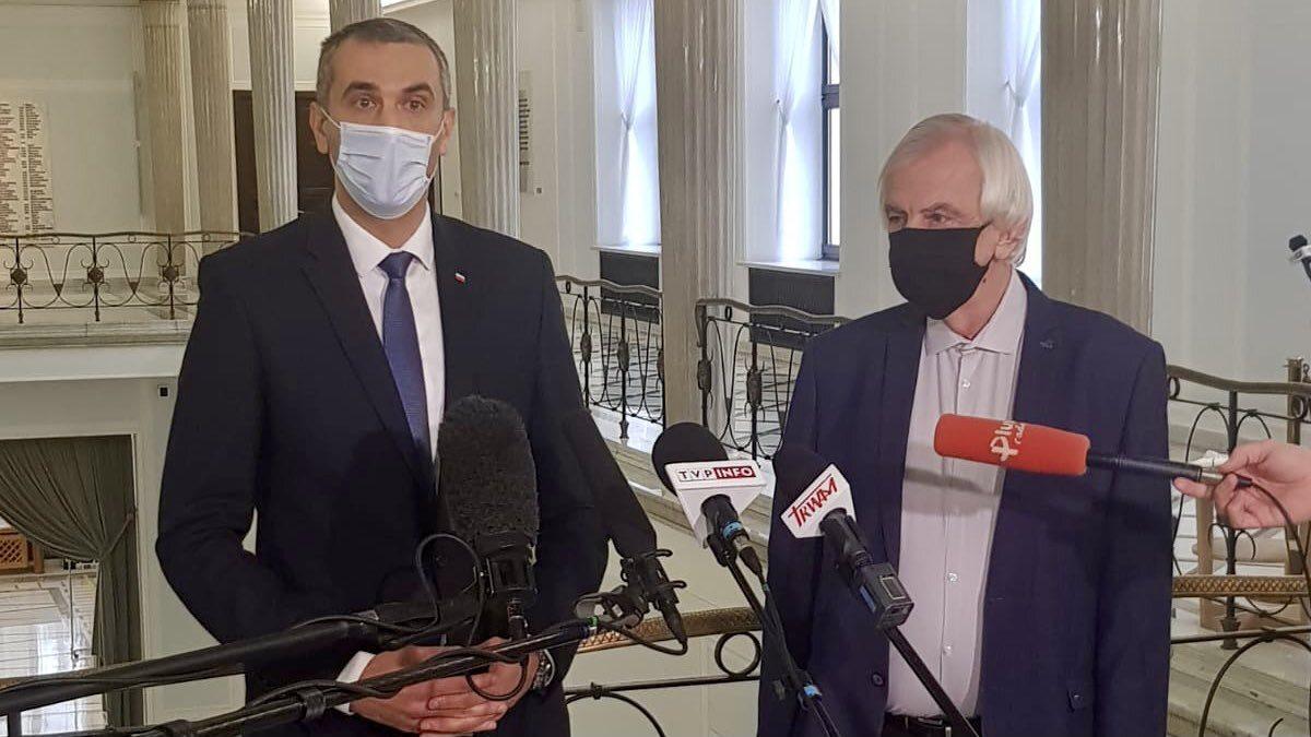 Wicemarszałek Senatu Marek Pęk i szef klubu PiS Ryszard Terlecki