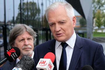 Wicepremier Jarosław Gowin i poseł Andrzej Sośnierz podczas konferencji prasowej
