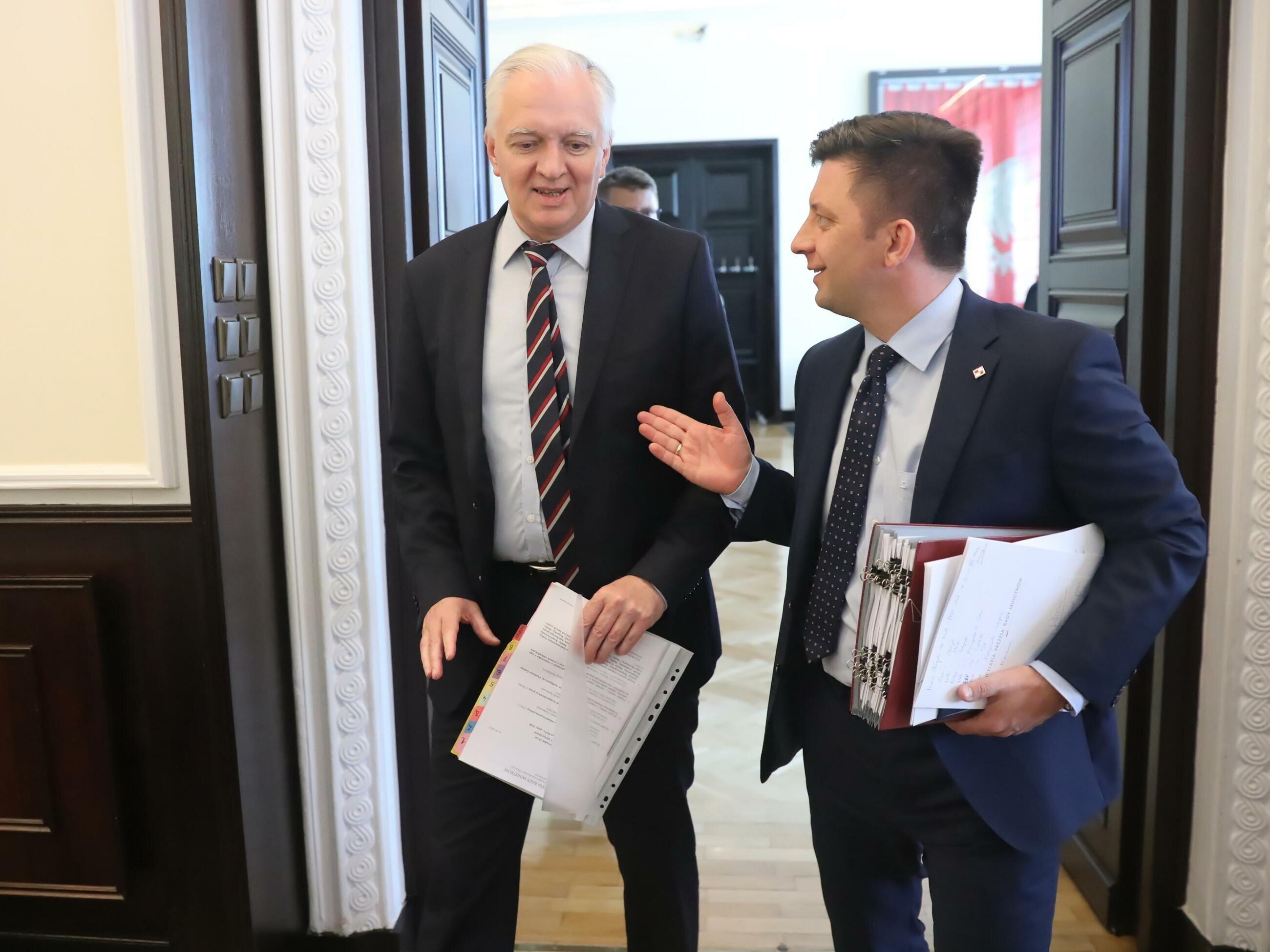 Wicepremier Jarosław Gowin i szef KPRM Michał Dworczyk
