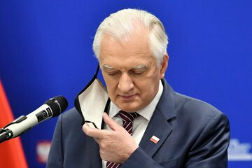 Wicepremier, minister rozwoju, pracy i technologii Jarosław Gowin podczas konferencji prasowej w Warszawie
