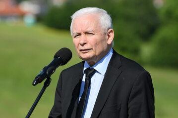 Wicepremier, prezes PiS Jarosław Kaczyński podczas konferencji prasowej