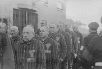 Więźniowie KL Sachsenhausen. Zdjęcie z 1938 roku.