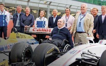 Williams od czasu wypadku w 1986 r. jest sparaliżowany i jeździ na wózku
