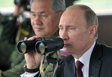 Władimir Putin obserwuje manewry rosyjskiej armii