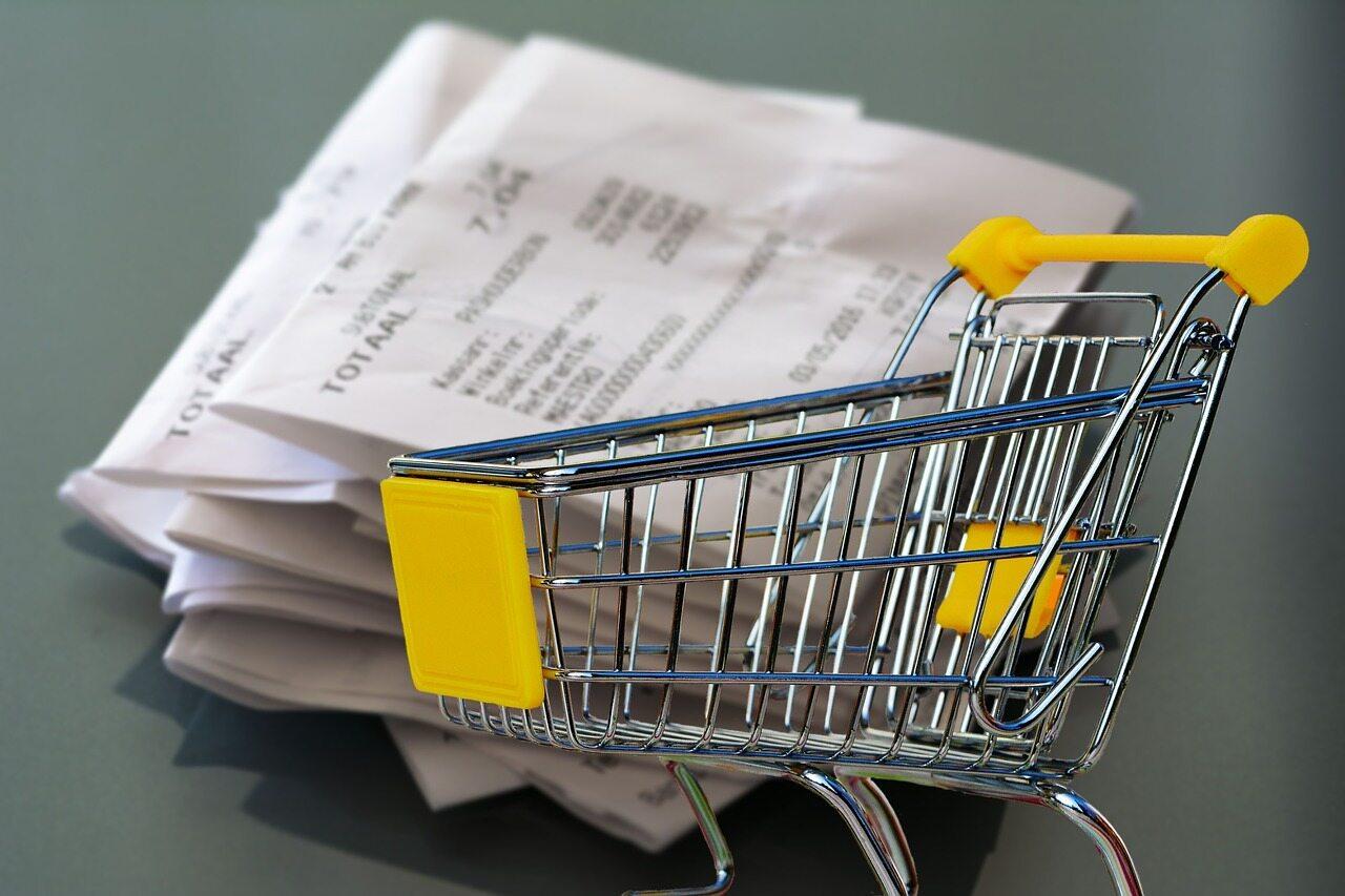 Wózek sklepowy, zdjęcie ilustracyjne
