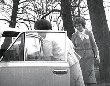 """Wśród ujawnionych akt są dokumenty dotyczące Sue Burggraf, oficer CIA """"prowadzącej"""" Kuklińskiego"""
