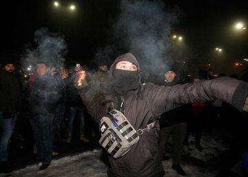 Zamieszki pod ambasadą Rosji w Kijowie