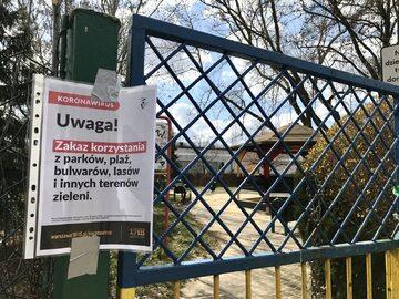 Zamknięty plac zabaw w Warszawie