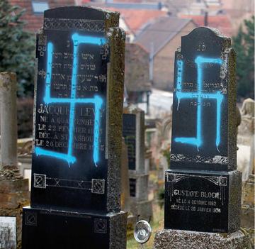 Zdewastowany cmentarz żydowski w Quatzenheim koło Strasburga we Francji
