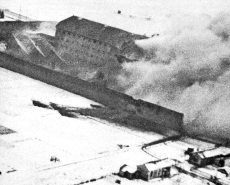 """Zdjęcie więzienia w Amiens wykonane w czasie operacji """"Jerycho""""."""