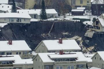 Ziemia osunęła się w miejscowości Ask nieopodal Oslo.