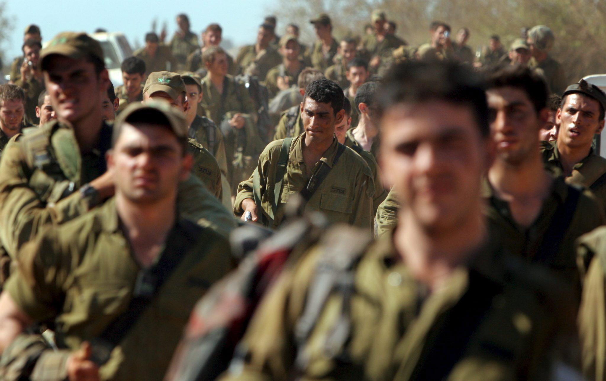 Żołnierze izraelskiej piechoty po powrocie na tereny północnego Izraela