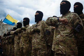 """Żołnierze pułku ukraińskiej Gwardii Narodowej """"Azow"""""""